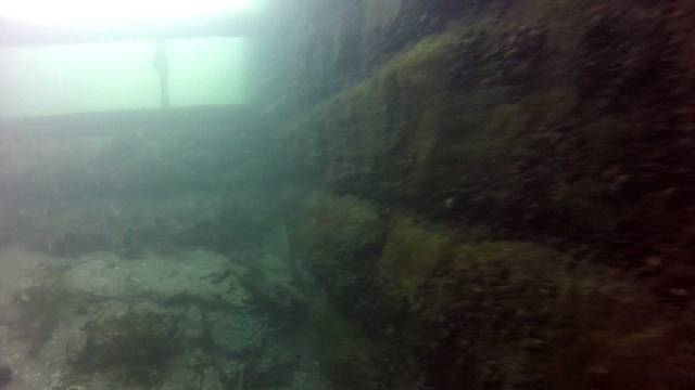 sluice-gate middle-from-headpond-web