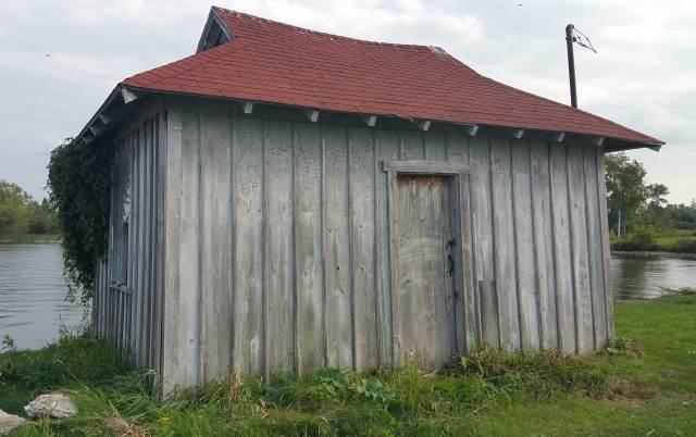 05-lock-house
